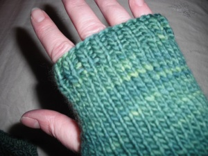 Easy Peasy fingerless mitts