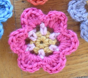 3 colour flower
