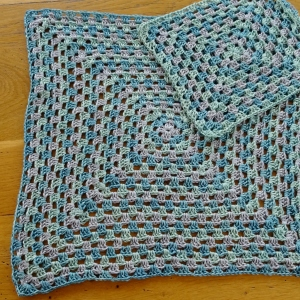 Granny cushion pieces